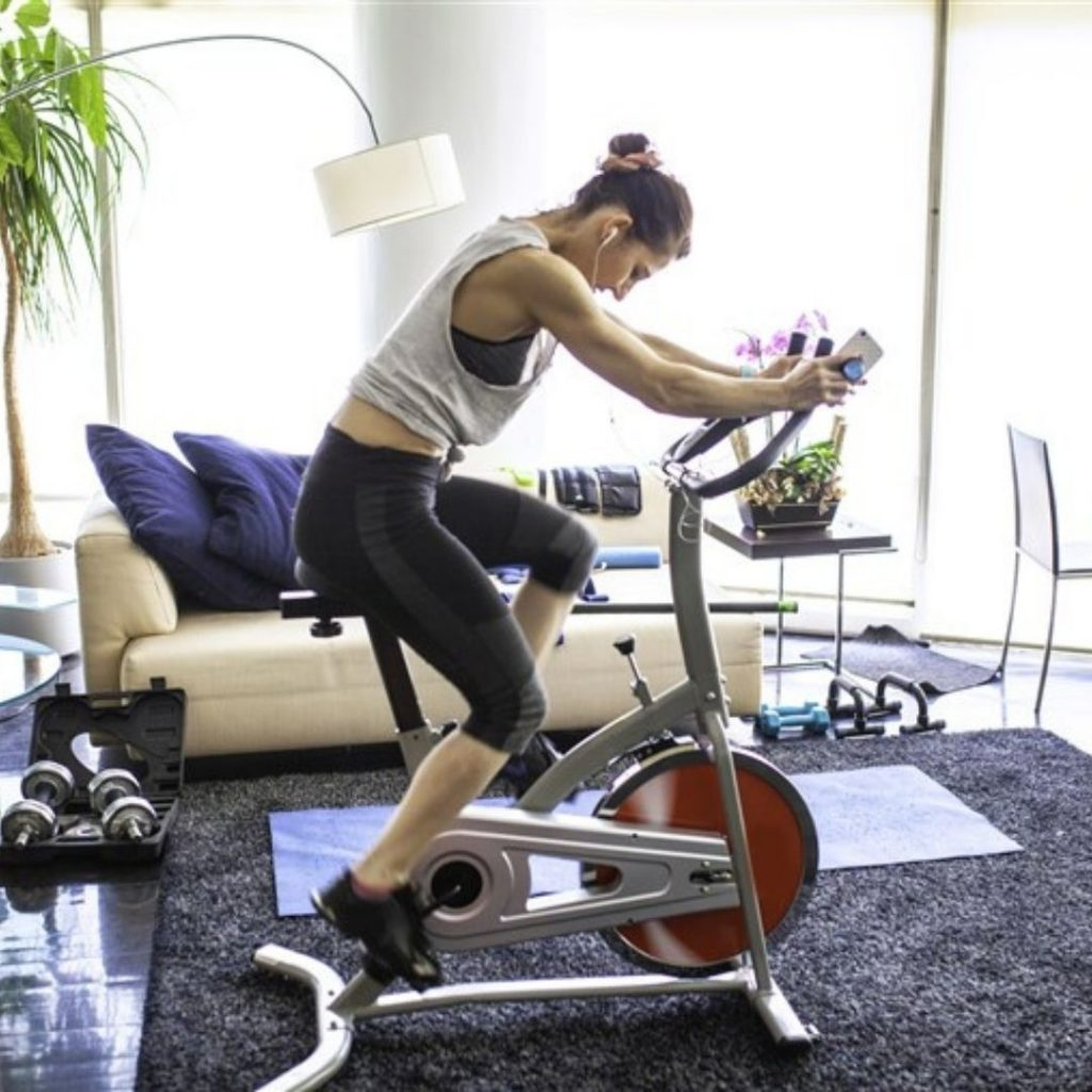 Beneficios de las bicicletas fijas y el ciclismo indoor